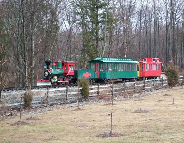 vintage-doll-museum-with-outdoor-trains